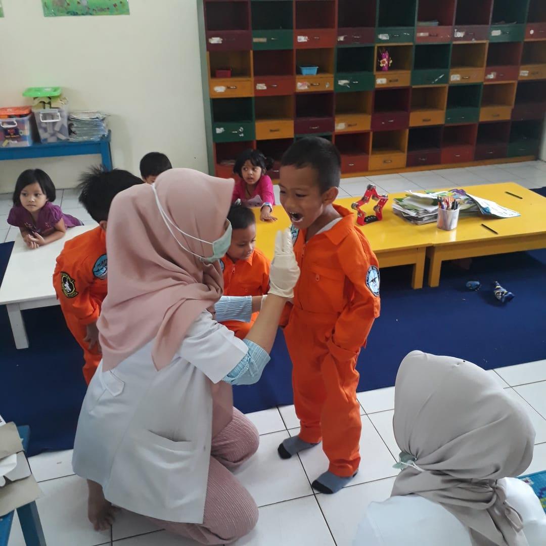 Pemeriksaan Gigi Anak
