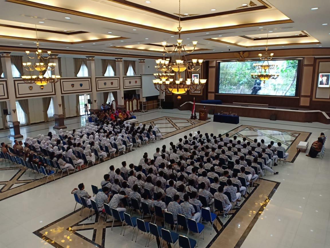 SMA Angkasa 1 Halim P. Bekali Siswanya melalui Kegiatan Life Skill dan Study Excursion ke Akademi Angkatan Udara