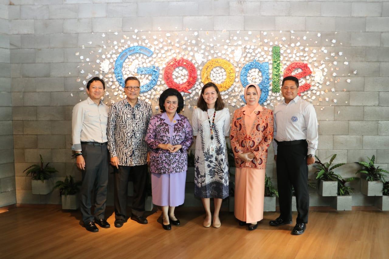 Yasarini Pengurus Pusat Kunjungi Google Indonesia