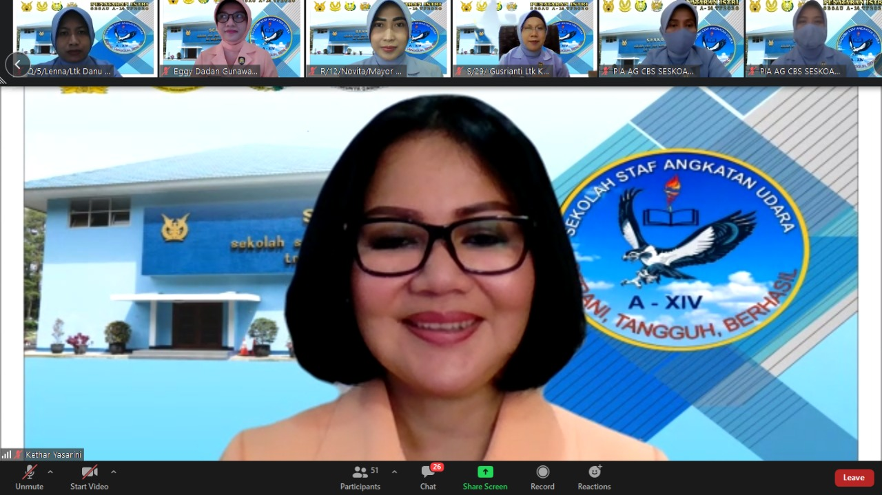 Pembekalan Ketua Harian Yayasan Ardhya Garini Pada Penataran Istri Pasis Sekkau Angkatan Ke-108
