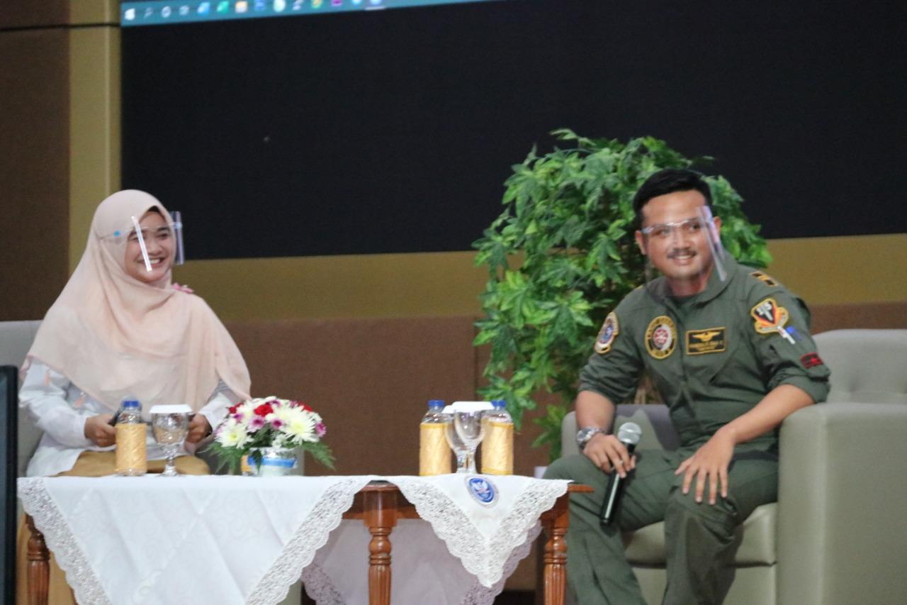 Talk Show SMA Pradita Dirgantara dalam Kiat Sukses Raih Masa Depan Gemilang