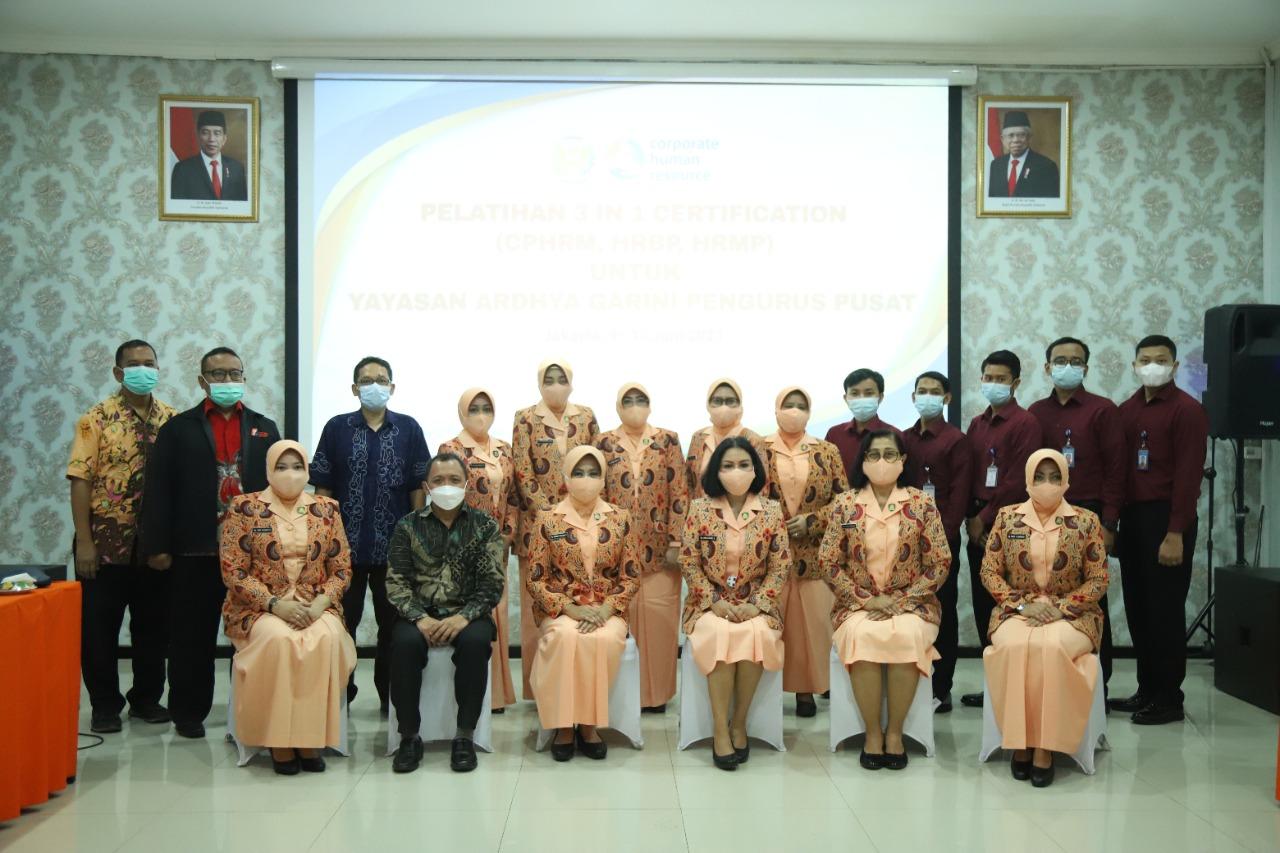 Yasarini Pusat Menggelar Pelatihan 3 in 1 certification (SPHRM,HRBP, HRMP)