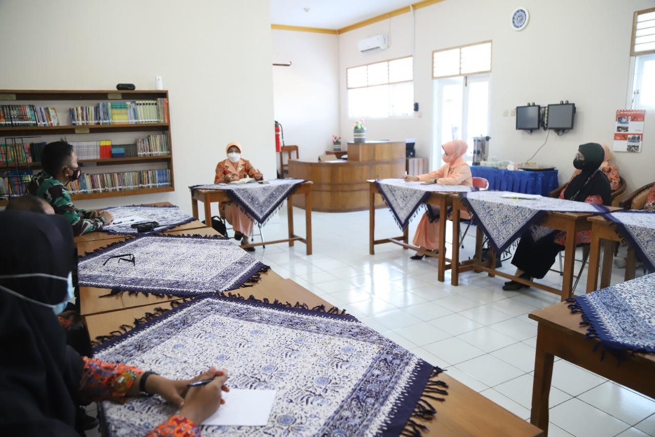 Visitasi Yasarini Pengurus Pusat ke Sekolah Angkasa Lanud Adisutjipto